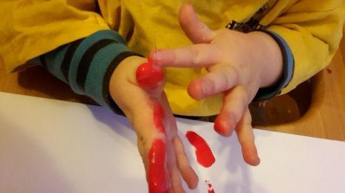 Fingermalfarbe testen